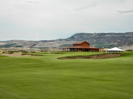 Gamble Sand - Brewster, WA - 18th Hole and Clubhouse